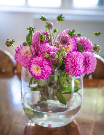 dekorativer Blumenstrauß in einer Villa in Baden