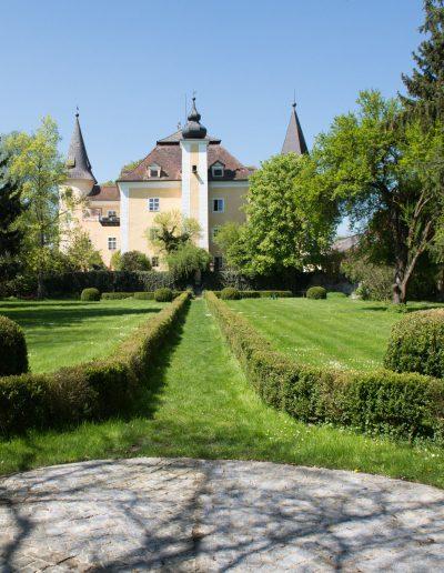Schloss Mühldorf und Rosengarten