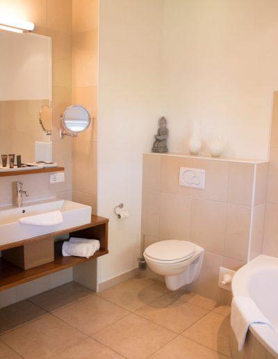 Badezimmer in der Präsidentensuite im Hotel Schloss Mühldorfeur