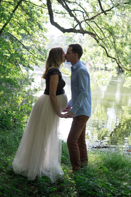 Schwangerschafts Fotoshooting im Schlosspark Laxenburg