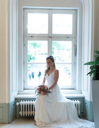 Braut im Standesamt Bad Vöslau